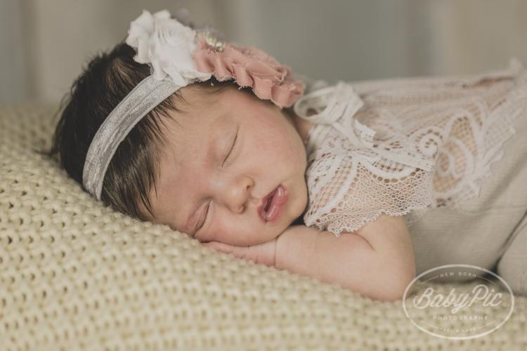 fotografia de recien nacido en estudio marbella