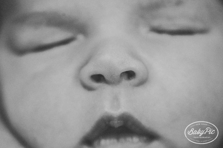 detalles fotográficos de las caras de los bebes